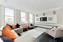 3 bedroom Flat to rent in Phillimore Gardens...