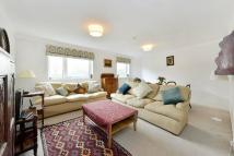 Elm Park Gardens Flat to rent