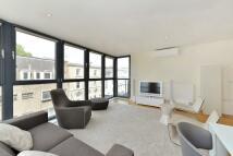 2 bedroom Flat in Fulham Road, Chelsea...