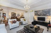 3 bed Flat in Flood Street, Chelsea...