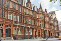 Flat to rent in Lower Sloane Street...