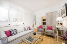 house to rent in Eaton Terrace Mews...