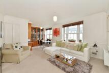 Flat to rent in Ebury Bridge Road...