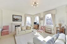 2 bed Flat in Cresswell Gardens...