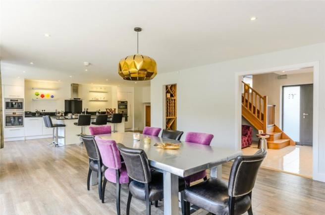 4 Bedroom Detached House For Sale In Church Way Northampton