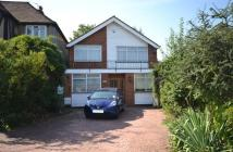 4 bed property in Glendale Avenue, Edgware