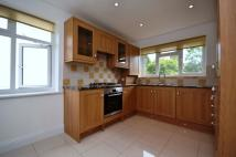 2 bed Flat in The Fairway, Mill Hill