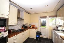 2 bed Maisonette in Hale Lane, Mill Hill, NW7