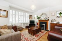 4 bedroom home in Elm Walk, SW20
