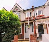 4 bedroom house in Chatsworth Avenue. SW20