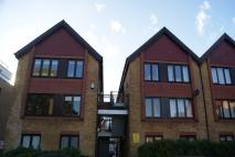 Flat to rent in Nairn Court, SW19