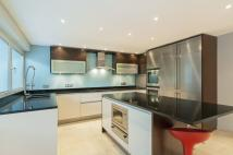 4 bed Flat to rent in Somerset House, SW19