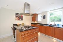 Flat to rent in Stamford House, SW19