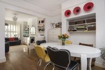 4 bed property in Mount Road, SW19