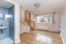 Bungalow to rent in Richmond Road, SW20