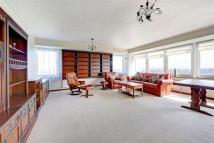 Flat in Burghley House, SW19