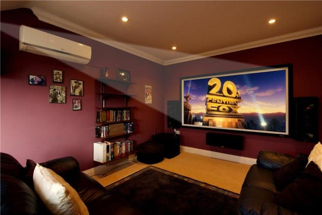 Bed 3/Cinema Room