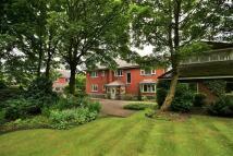 4 bedroom Detached house in Links Road, Lostock...
