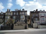 Apartment to rent in Folkestone Rd, Dover...