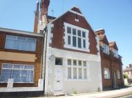 Flat to rent in Fawcett Road, Southsea...