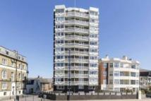 2 bed Flat to rent in Fastnet House South...