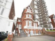 Flat to rent in Clarence Parade...