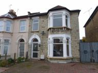 4 bed End of Terrace property in Cambridge Road, Ilford...