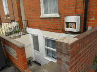 Studio apartment in Carey Street, Reading...