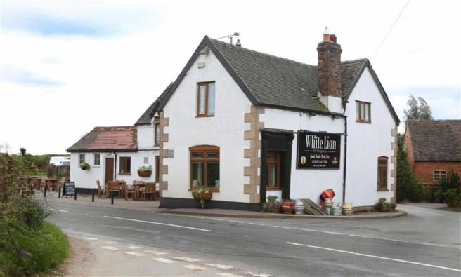 White Lion, Knighton