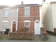 2 bedroom End of Terrace house in Cross Street, Kingswood...
