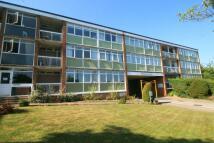 3 bedroom Flat to rent in Kenilworth Court...