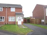 2 bed property in Sandpiper Close, Ryton...