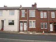 2 bedroom Flat to rent in St. Peters Road, Byker...
