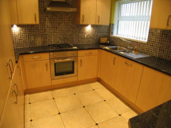 2 Bedroom Flat To Rent In Home Park Stoke Plymouth PL2