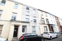 Flat to rent in Clifton Place, Plymouth...