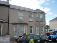 Flat to rent in Desborough Road...