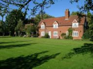 4 bed property for sale in Crackley Lane, Kenilworth