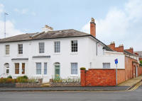 Town House for sale in Beauchamp Hill...
