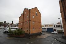 Flat to rent in Hartshill...