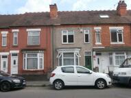 2 bedroom property to rent in Henry Street, Nuneaton...