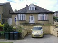 Detached property in Hollingwood Mount...
