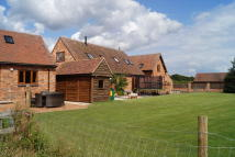 2 bed Barn Conversion in Bills Lane, Shirley