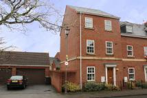 Old Dickens Heath Road Town House to rent