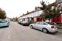 4 bed property to rent in Kimberley Road, London...