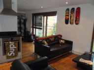 Vallance Road Flat to rent
