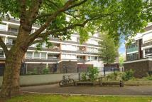 3 bedroom Flat in John Ruskin Street...