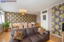 5 bedroom Flat to rent in Cannon Street Road...