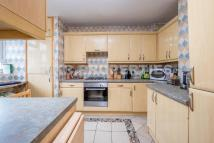 3 bed Flat for sale in Darville Road...