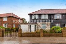 3 bed End of Terrace property in Silkstream Road, Edgware...