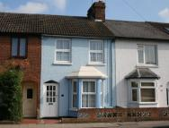 Terraced house to rent in Park Street, AYLESBURY